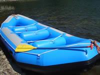 湖で使うラフティングボート