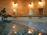 天然温泉・かけ流し お湯は無色透明、とても柔らかいお湯です。